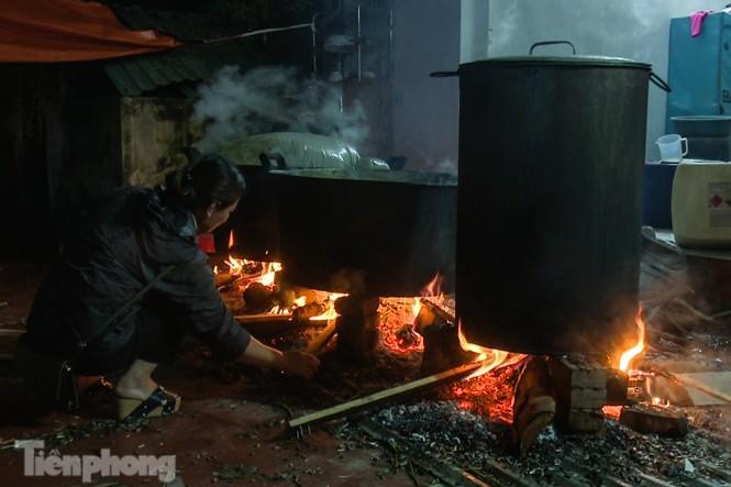Nhiều nơi ở Hà Nội gửi hàng vạn bánh chưng ủng hộ miền Trung - ảnh 9