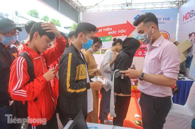 Giới trẻ nườm nượp đến trải nghiệm Ngày thẻ Việt Nam 2020 - ảnh 19
