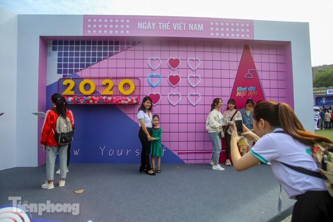 Giới trẻ nườm nượp đến trải nghiệm Ngày thẻ Việt Nam 2020 - ảnh 2