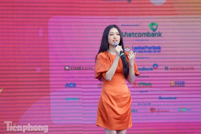 Á hậu Bùi Phương Nga cùng dàn người đẹp trải nghiệm Sóng Festival - ảnh 2