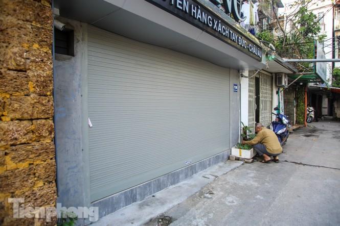 Cận cảnh các chung cư trước nguy cơ đổ sập bất cứ lúc nào ở Hà Nội - ảnh 4