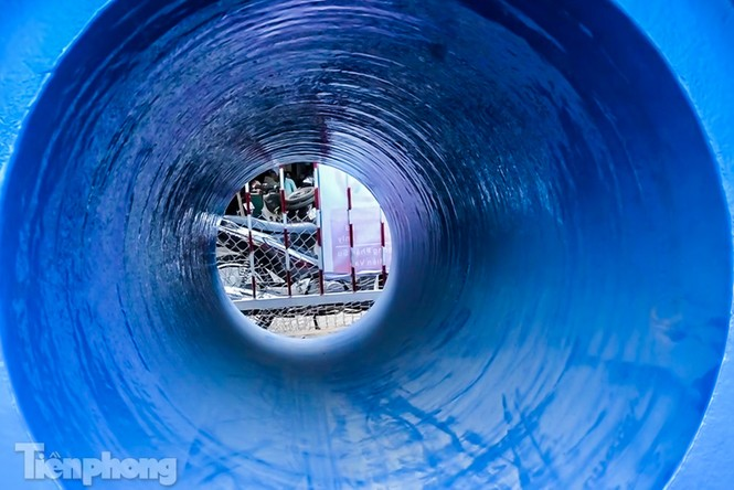 Cận cảnh ống cống gom nước thải sắp 'giải cứu' sông Tô Lịch - ảnh 4