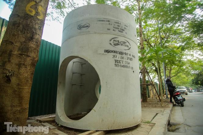 Cận cảnh ống cống gom nước thải sắp 'giải cứu' sông Tô Lịch - ảnh 8