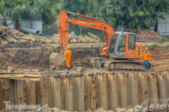 Cận cảnh ống cống gom nước thải sắp 'giải cứu' sông Tô Lịch - ảnh 10