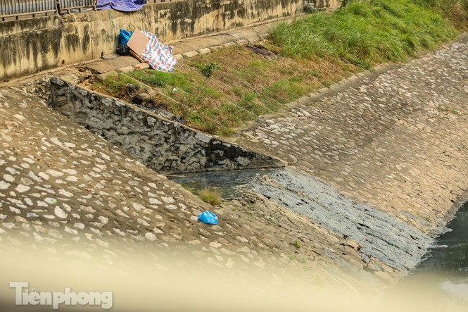 Cận cảnh ống cống gom nước thải sắp 'giải cứu' sông Tô Lịch - ảnh 11