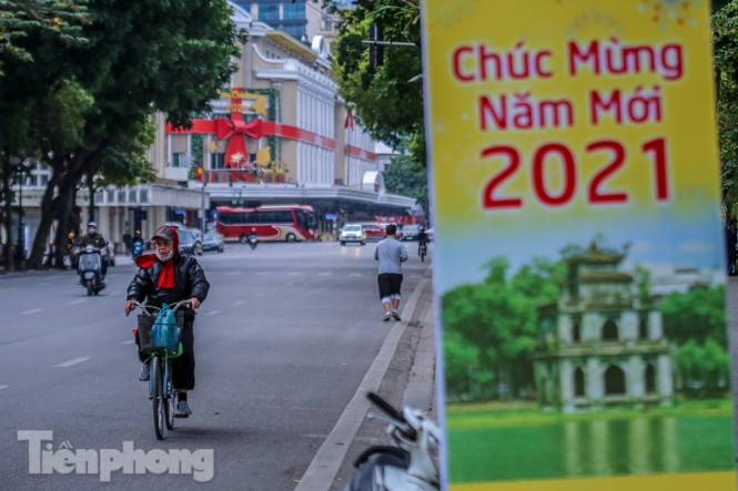Hà Nội thanh bình trong buổi sáng cuối cùng năm 2020  - ảnh 5
