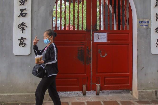 Di tích, đền chùa Hà Nội sẵn sàng mở cửa trở lại đón khách du xuân muộn - ảnh 13