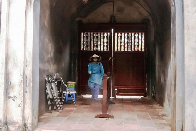 Di tích, đền chùa Hà Nội sẵn sàng mở cửa trở lại đón khách du xuân muộn - ảnh 4