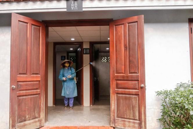 Di tích, đền chùa Hà Nội sẵn sàng mở cửa trở lại đón khách du xuân muộn - ảnh 6
