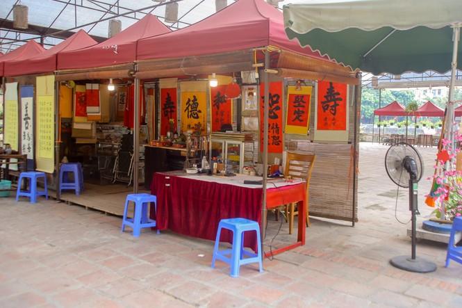 Di tích, đền chùa Hà Nội sẵn sàng mở cửa trở lại đón khách du xuân muộn - ảnh 8