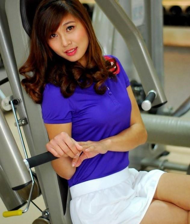 Cô giáo thể dục tương lai chân dài như siêu mẫu - ảnh 1