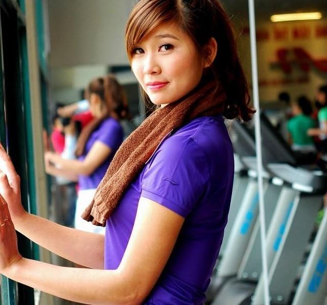 Cô giáo thể dục tương lai chân dài như siêu mẫu - ảnh 4