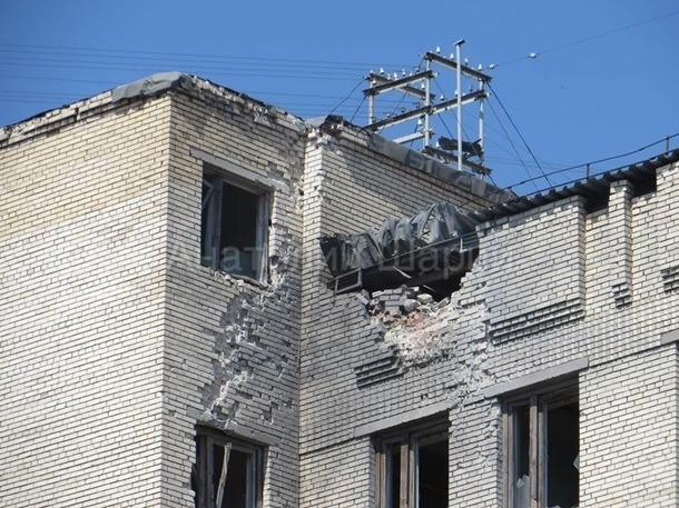 Sloviansk tan hoang sau cuộc pháo kích của quân đội Ukraine - ảnh 10