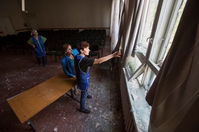 Sloviansk tan hoang sau cuộc pháo kích của quân đội Ukraine - ảnh 4