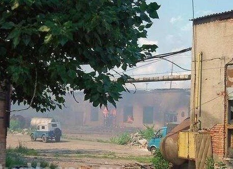 Sloviansk tan hoang sau cuộc pháo kích của quân đội Ukraine - ảnh 6