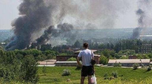 Sloviansk tan hoang sau cuộc pháo kích của quân đội Ukraine - ảnh 7