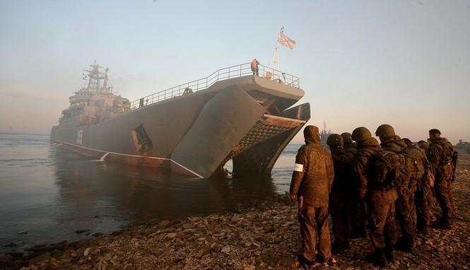 Xem lính thủy đánh bộ Nga đổ bộ đường biển - ảnh 12