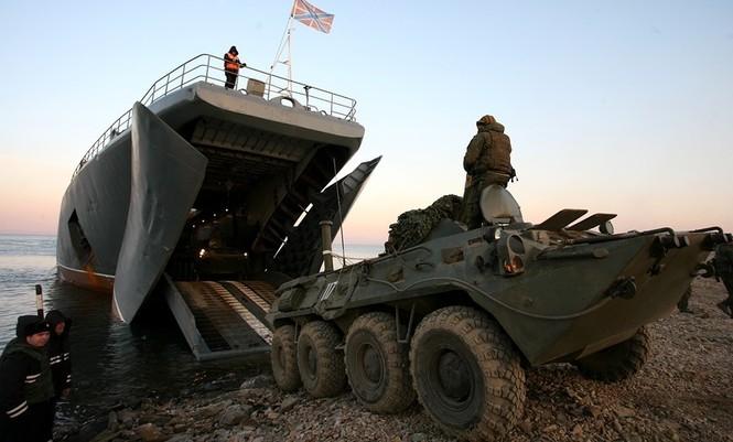 Xem lính thủy đánh bộ Nga đổ bộ đường biển - ảnh 14