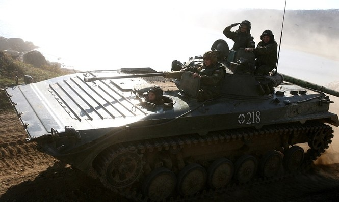 Xem lính thủy đánh bộ Nga đổ bộ đường biển - ảnh 3