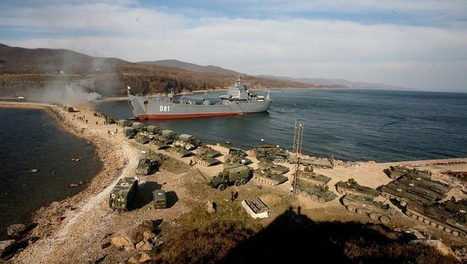 Xem lính thủy đánh bộ Nga đổ bộ đường biển - ảnh 4