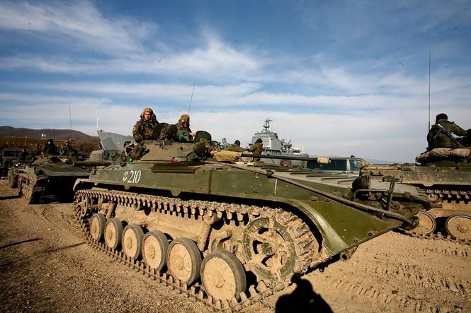 Xem lính thủy đánh bộ Nga đổ bộ đường biển - ảnh 5