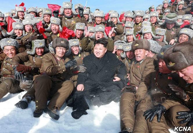 [ẢNH] Kim Jong-un chinh phục ngọn núi cao nhất Triều Tiên - ảnh 4
