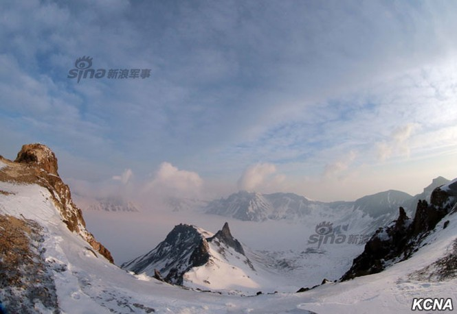 [ẢNH] Kim Jong-un chinh phục ngọn núi cao nhất Triều Tiên - ảnh 7
