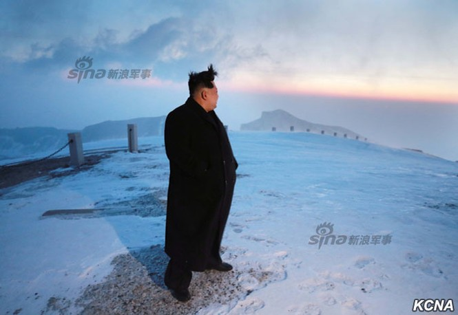 [ẢNH] Kim Jong-un chinh phục ngọn núi cao nhất Triều Tiên - ảnh 9