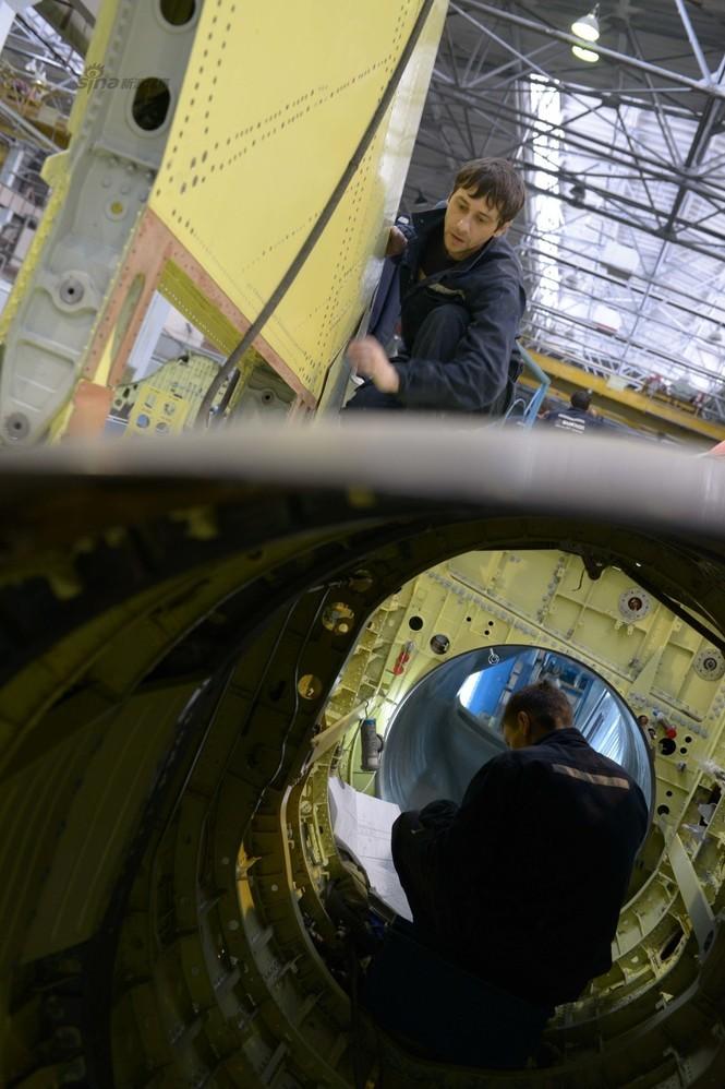 Đột nhập nhà máy sản xuất 'xe tăng bay' Su-34 - ảnh 16