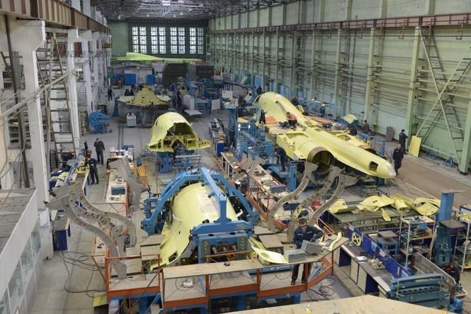Đột nhập nhà máy sản xuất 'xe tăng bay' Su-34 - ảnh 2