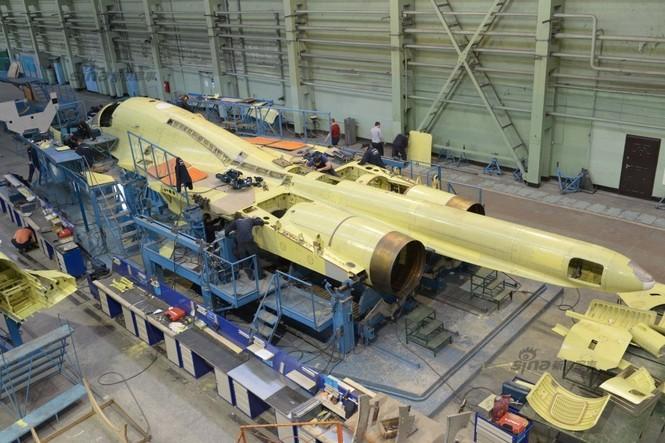 Đột nhập nhà máy sản xuất 'xe tăng bay' Su-34 - ảnh 4