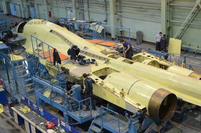 Đột nhập nhà máy sản xuất 'xe tăng bay' Su-34 - ảnh 5