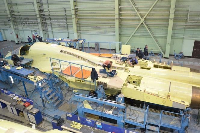 Đột nhập nhà máy sản xuất 'xe tăng bay' Su-34 - ảnh 6