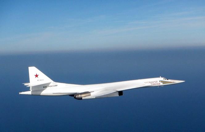 [ẢNH] Cuộc đối đầu giữa tiêm kích Typhoon và oanh tạc cơ Tu-160 - ảnh 2