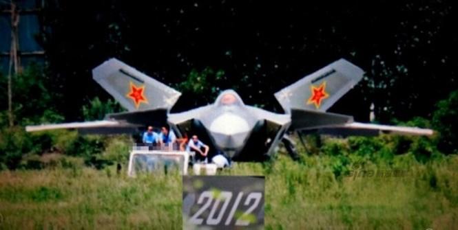 Tiêm kích J-20 Trung Quốc so đọ với siêu chiến đấu cơ T-50 Nga - ảnh 10