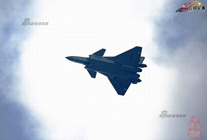 Tiêm kích J-20 Trung Quốc so đọ với siêu chiến đấu cơ T-50 Nga - ảnh 16