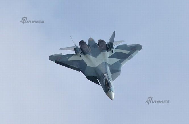 Tiêm kích J-20 Trung Quốc so đọ với siêu chiến đấu cơ T-50 Nga - ảnh 2