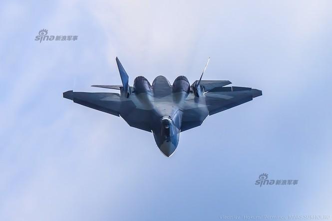 Tiêm kích J-20 Trung Quốc so đọ với siêu chiến đấu cơ T-50 Nga - ảnh 4