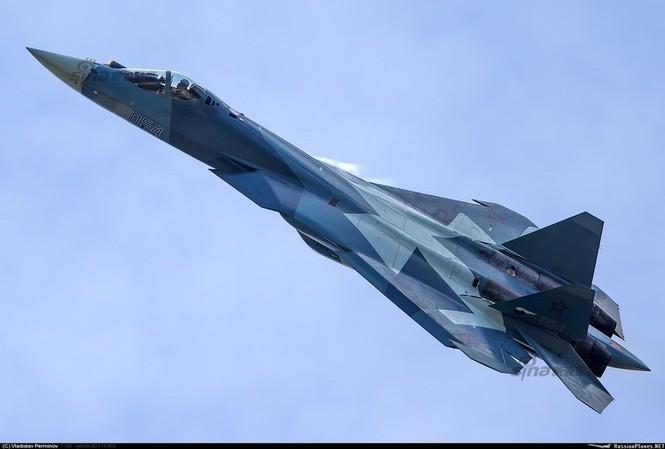 Tiêm kích J-20 Trung Quốc so đọ với siêu chiến đấu cơ T-50 Nga - ảnh 6