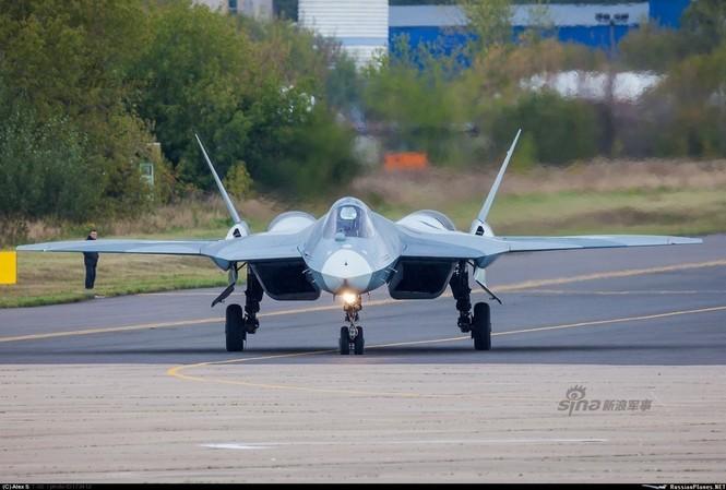 Tiêm kích J-20 Trung Quốc so đọ với siêu chiến đấu cơ T-50 Nga - ảnh 9