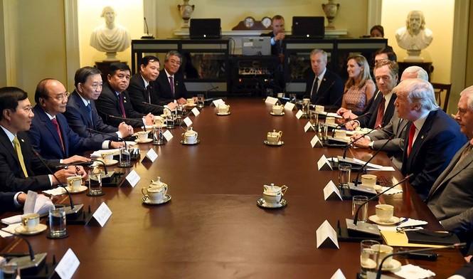 Hình ảnh Tổng thống Hoa Kỳ Donald Trump đón Thủ tướng Nguyễn Xuân Phúc - ảnh 4