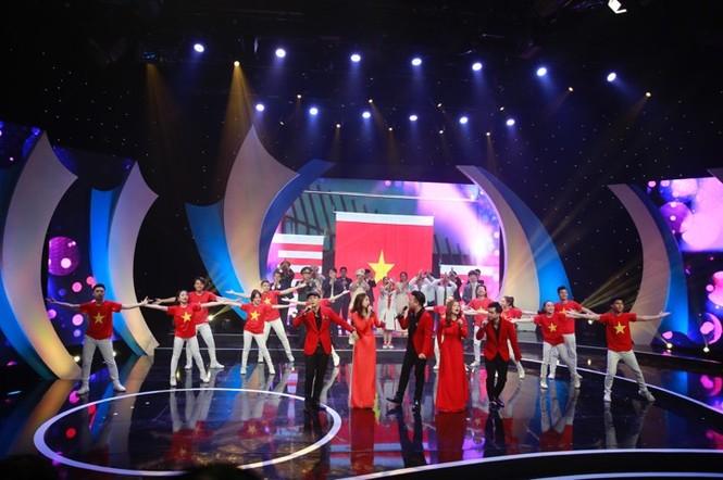 Thủ tướng trao giải thưởng Gương mặt trẻ Việt Nam tiêu biểu năm 2017 - ảnh 8