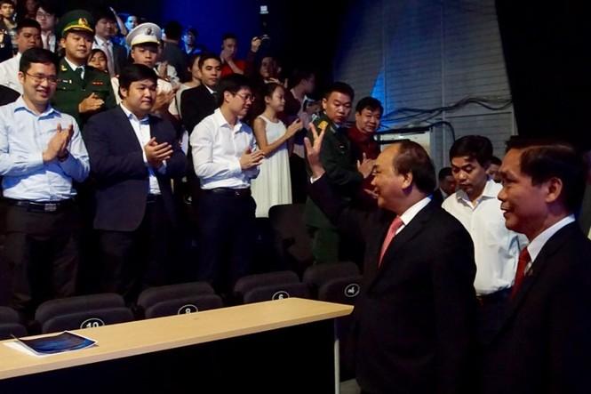 Thủ tướng trao giải thưởng Gương mặt trẻ Việt Nam tiêu biểu năm 2017 - ảnh 29