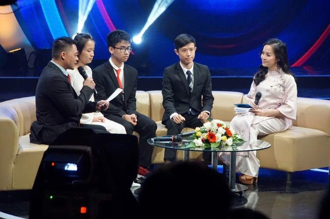 Thủ tướng trao giải thưởng Gương mặt trẻ Việt Nam tiêu biểu năm 2017 - ảnh 20