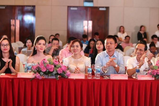 40 thí sinh HHVN 2018 tề tựu về làng Sen quê Bác - ảnh 13
