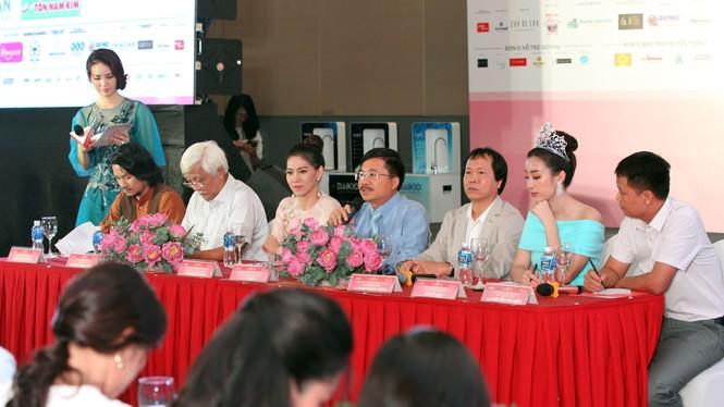 40 thí sinh HHVN 2018 tề tựu về làng Sen quê Bác - ảnh 7