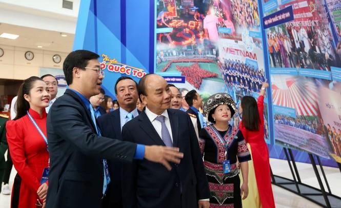 Thủ tướng Nguyễn Xuân Phúc: Mong thanh niên khởi nghiệp mạnh mẽ hơn - ảnh 26