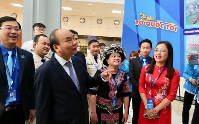 Thủ tướng Nguyễn Xuân Phúc: Mong thanh niên khởi nghiệp mạnh mẽ hơn - ảnh 27
