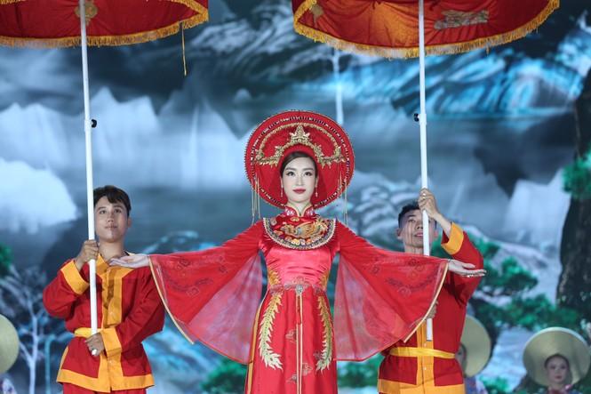 Đỗ Thị Hà đăng quang Hoa hậu Việt Nam 2020 - ảnh 30