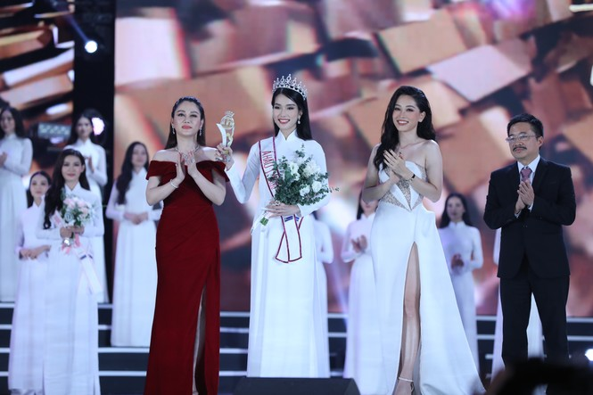 Đỗ Thị Hà đăng quang Hoa hậu Việt Nam 2020 - ảnh 7